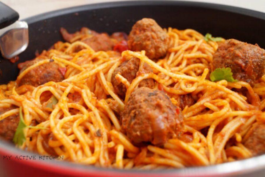 Jollof spaghetti and meatballs