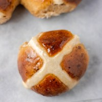 Easy Hot Cross Bun Recipe