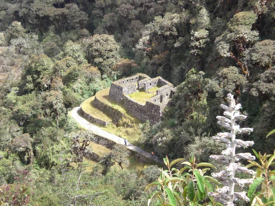 Places to visit in Peru: Runkurakay