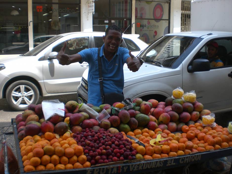Things to do in Cartagena: try all the fresh fruit!
