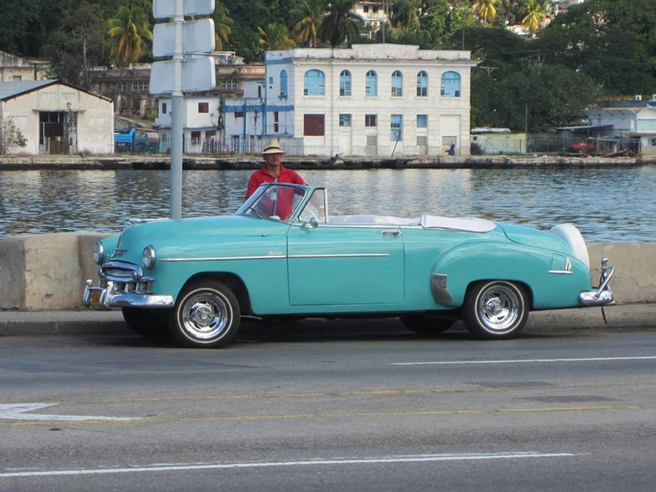 What to do in Cuba: go for a ride on a vintage car
