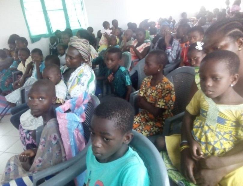Togo/ Association Amis du Partage offre des dons dans la préfecture des Lacs