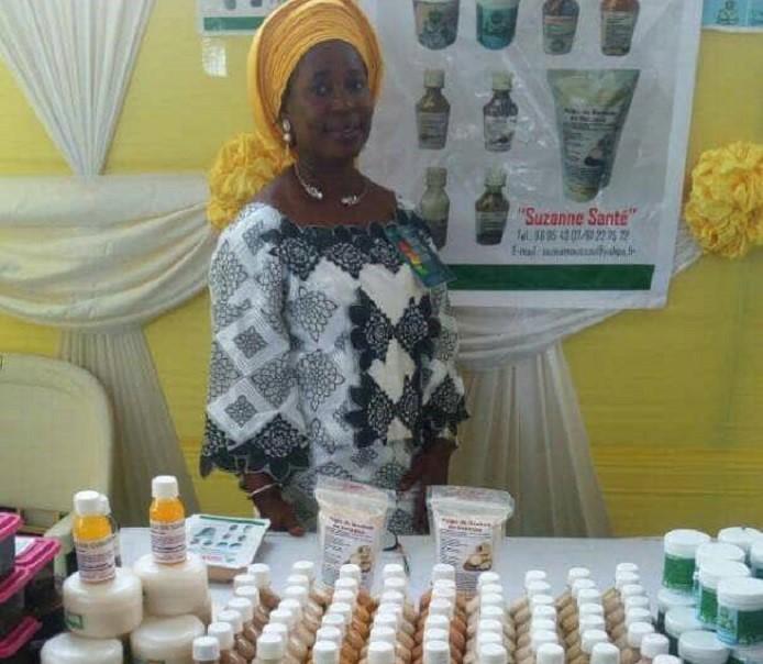 Bénin/Avec des produits naturels, Suzanne Amoussou soigne
