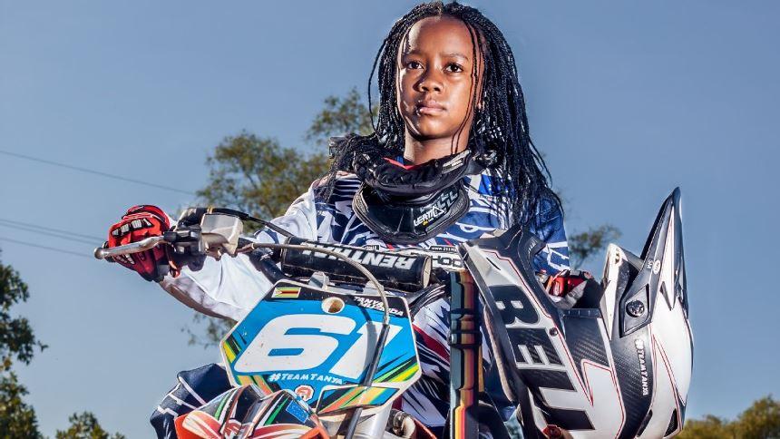Zimbabwe/ 14 ans et déjà championne de Motocross