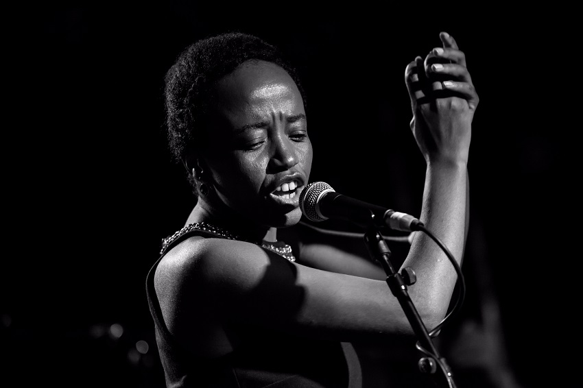 Diaspora/ Tita Nzebi et Jann Halexander 'GABAO SUR LOIRE' au Théâtre Monsabré