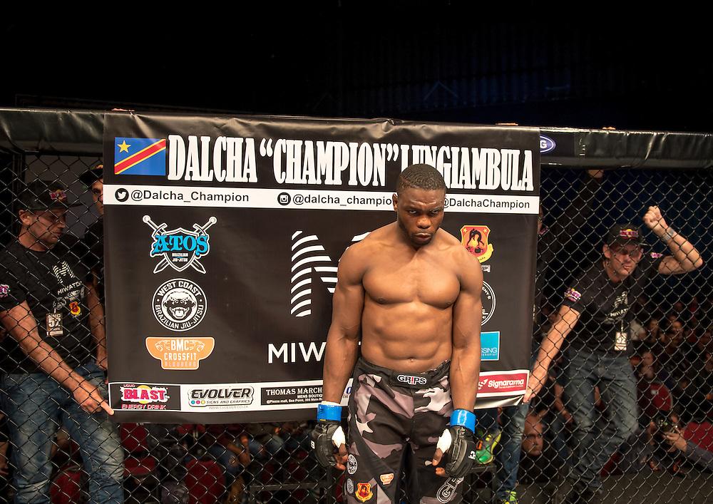 Sport/ MMA: Dalcha Lungiambula n'a pas fait cadeau à l'Américain Dequan Towsend