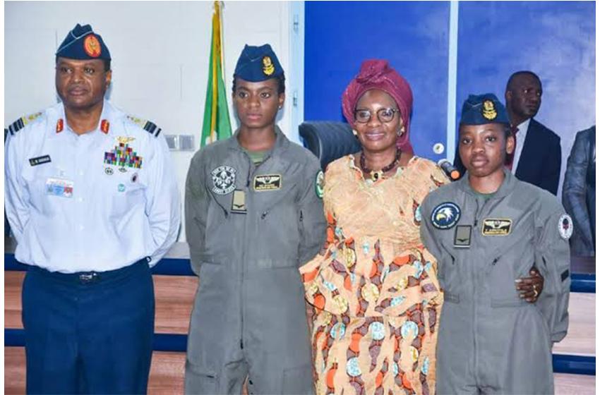 Afrique/Femmes et Armées d'élites: deux figures dans les forces aériennes nigérianes à découvrir