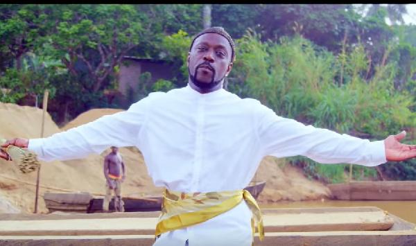 "Musique/ ""Tu dis que quoi"", Meiway chante le Cameroun"