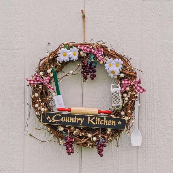 "14"" Grape Country Kitchen Wreath"