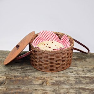 Double Pie Basket with Tray Brown