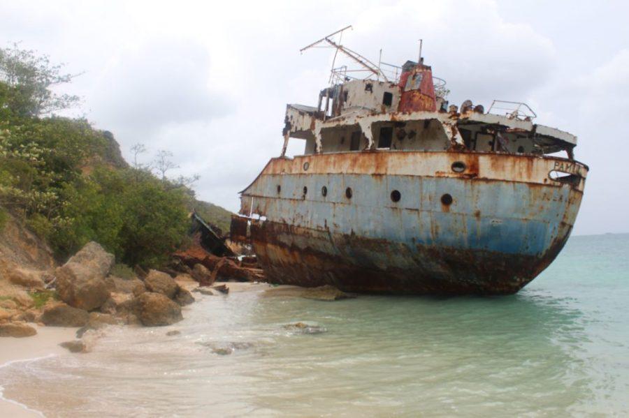 Ship Wreck in Sandy Ground