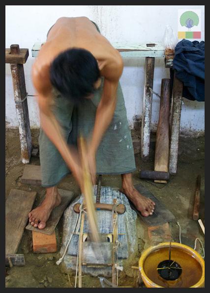Gold Pounders Workshop - Mandalay - Myanmar (Burma) 9
