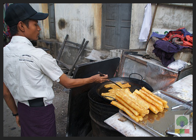 Churros - Street and teahouse - Myanmar (Burma) 2