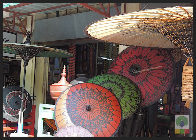 Shopping Burmese Parasol in Yangon - Bogyoke Aung San Market (former Scott's Market) - Myanmar (Burma)