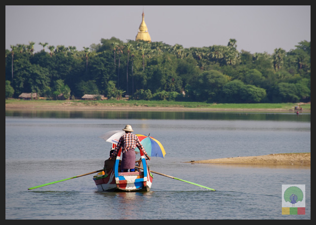 U Bein Teak Bridge - Boat Ride at Taungthaman Lake - Amarapura - Mandalay - Myanmar (Burma)
