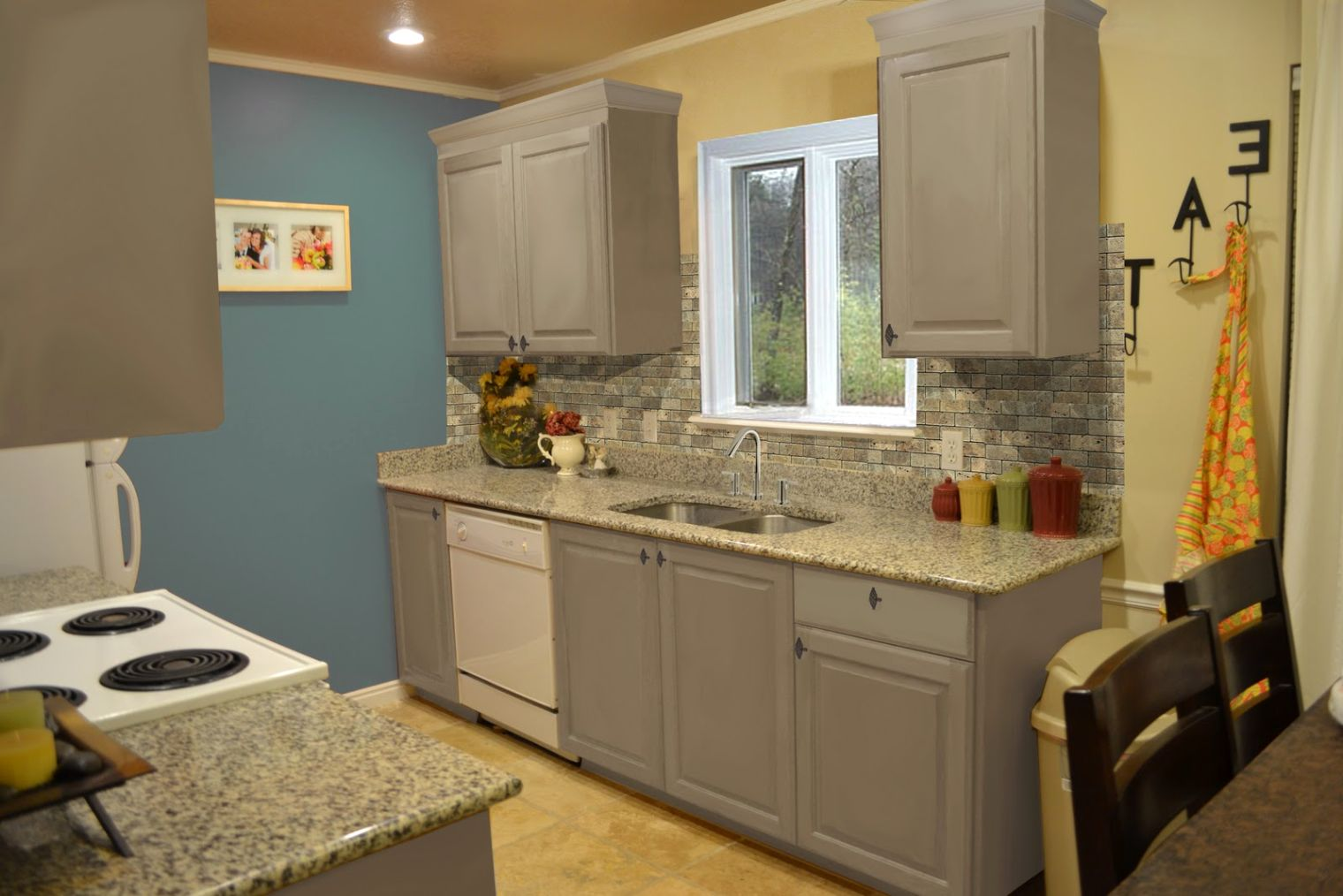 Small Kitchen Ideas with Gray Cabinets