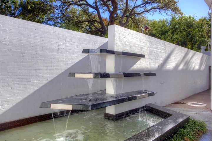 Contemporary Water Features 85