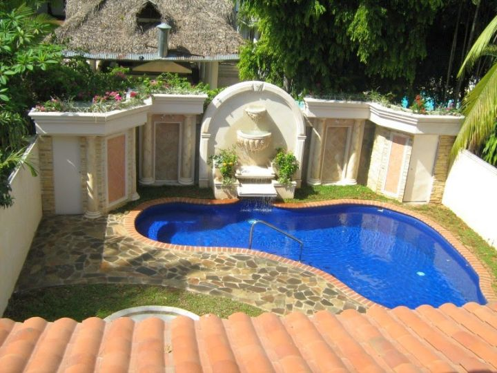 Outdoor Living Ideas With Pools