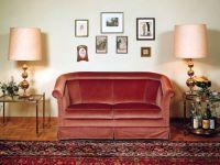 18 Maroon Living Room Furniture and Interior Design Ideas