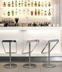 17 Sleek Modern Home Bar Counter Designs
