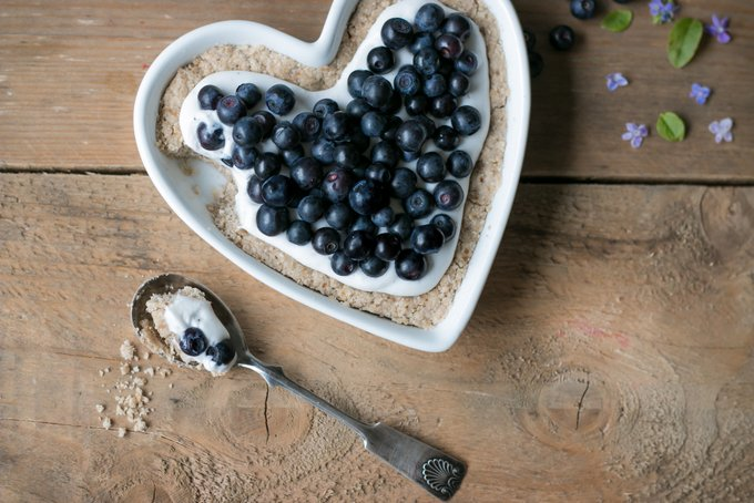 BLUEBERRY PIE WITH WHIPPED COCONUT CREAM – THE BEGINNING