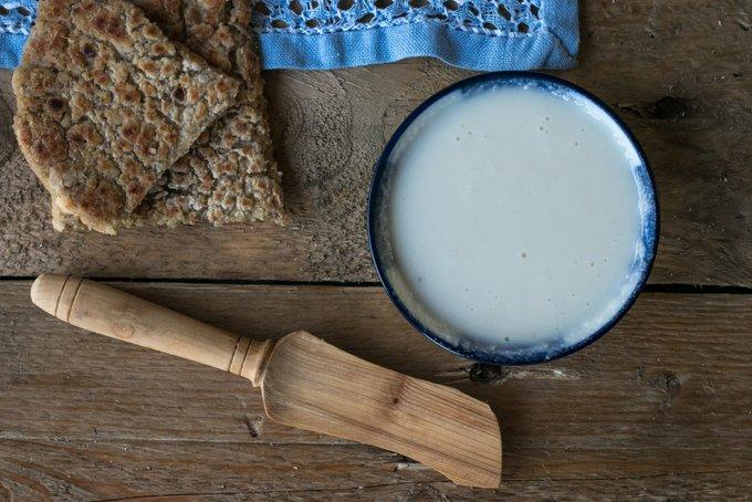 CREAMY COCONUT BUTTER – THE PERFECT VEGAN SPREAD