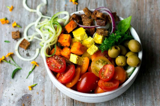 PANZANELLA BOWL WITH VEGAN CASHEW CHEESE