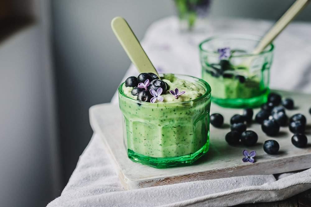 Green summer chia pudding