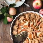 Vegaaninen ja gluteeniton piparkakku-omenapiirakka
