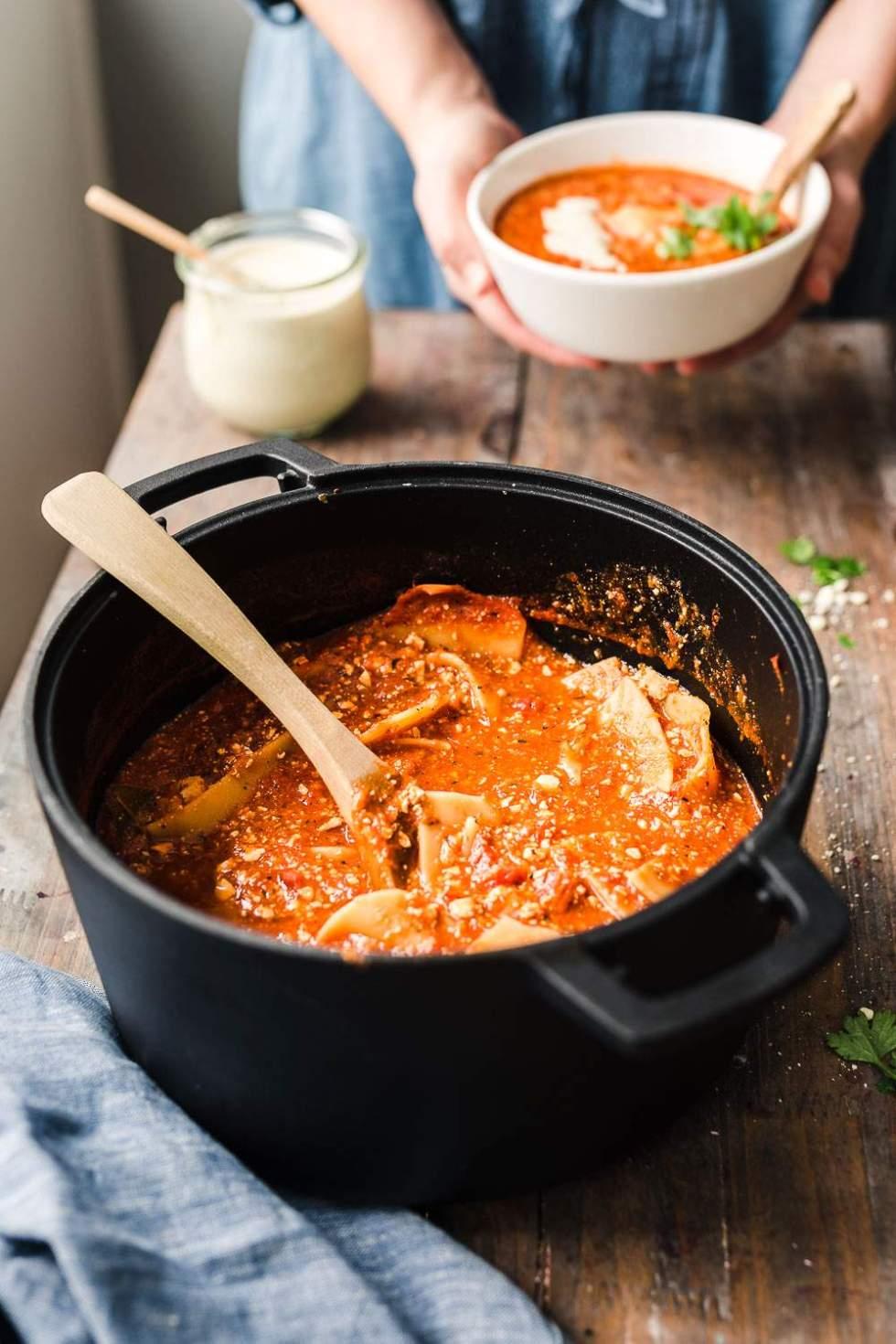 Vegaaninen lasagne keitto