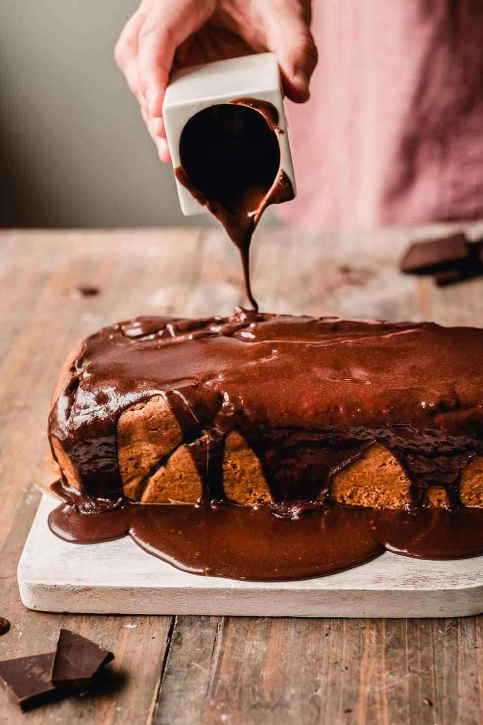 Kardemummakakku suklaasydämellä