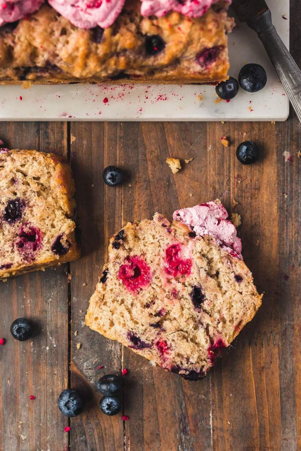 Vegan cider bread with blueberries