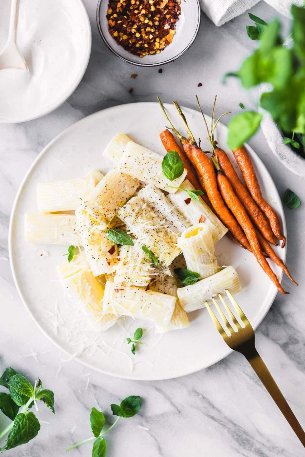 Vegan spring pasta with roasted carrots and yogurt sauce