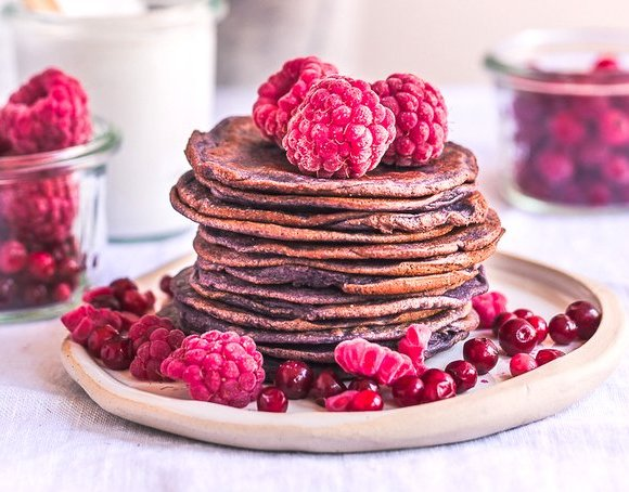 HEALTHY BLUEBERRY PIE BLENDER PANCAKES