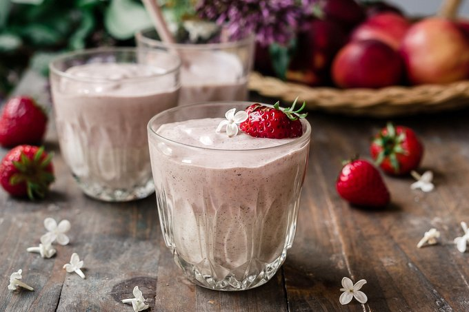 Creamy strawberry nectarine yogurt smoothie