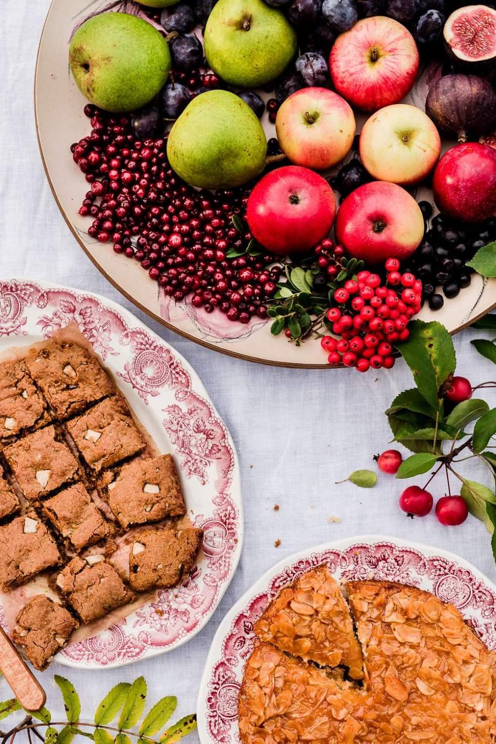 Gluten-free vegan Tosca cake