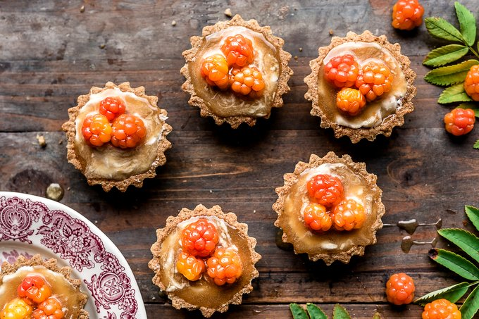 Cloudberry caramel tarts