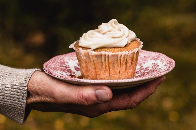 Vegan gluten-free pear cupcakes