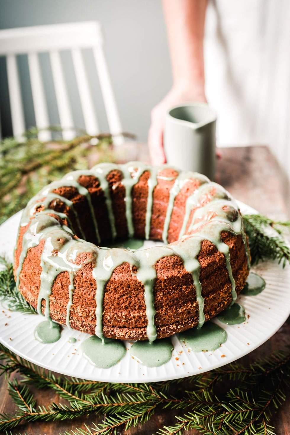 Christmas bundt cake (v, gf)