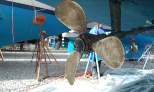 Winter Boat Maintenance: Hull Inspections in the Boatyard