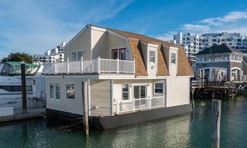 Boston's 'Floating House' For Sale Is Every Boating Lover's Dream Home