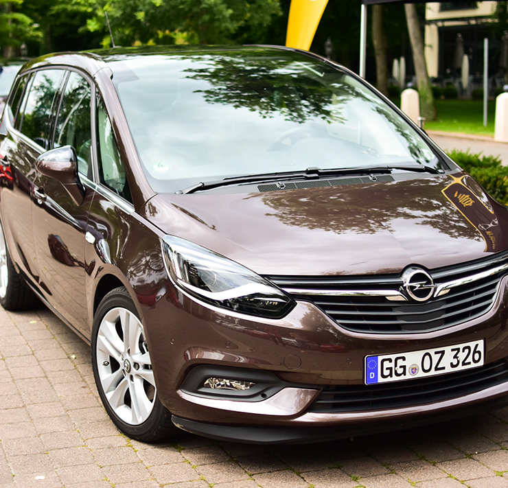 Car Opel Zafira