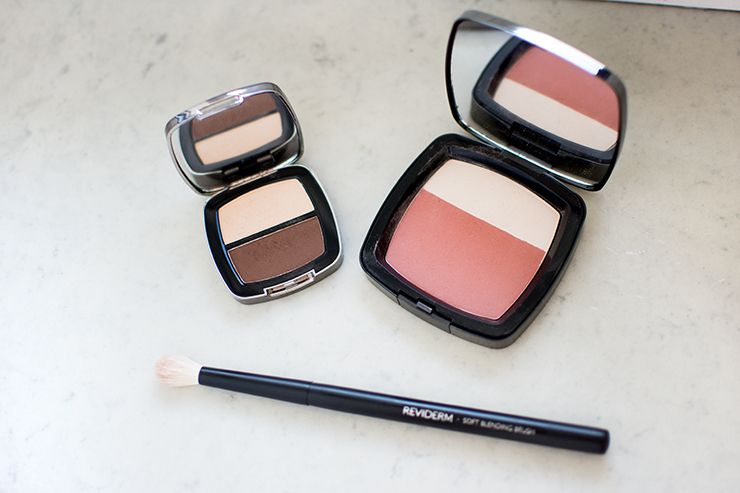 blush-und-highlighter-reviderm