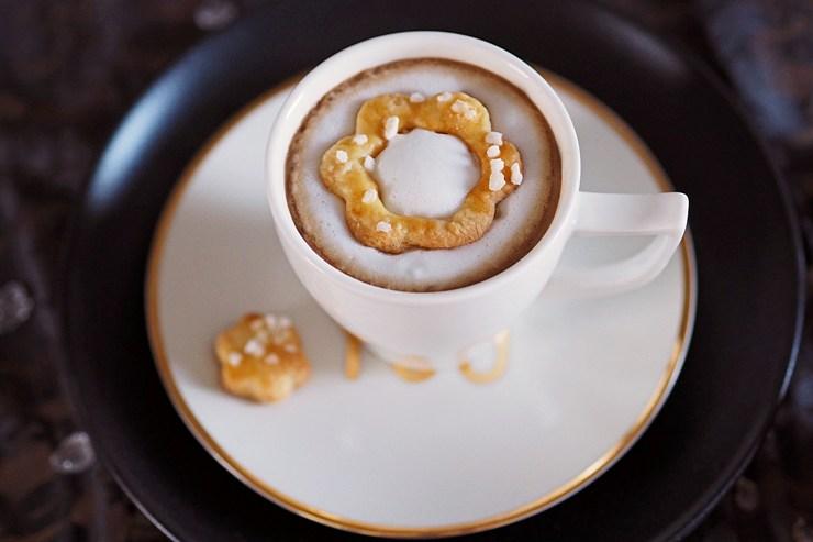 Sauerrahm-Kekse mit Hagelzucker