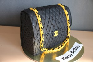 chanel tasche oder torte my cake art. Black Bedroom Furniture Sets. Home Design Ideas