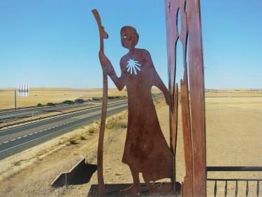 metal pilgrim silhouette camino de santiago Frómista
