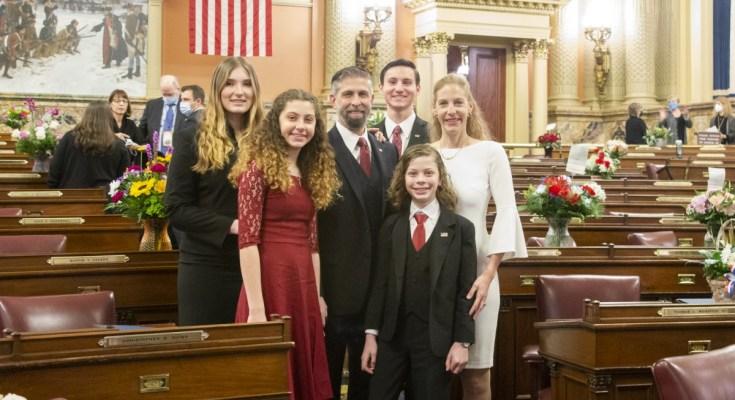 Craig Williams Sworn In as State House Representative
