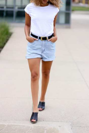 mom shorts outfit