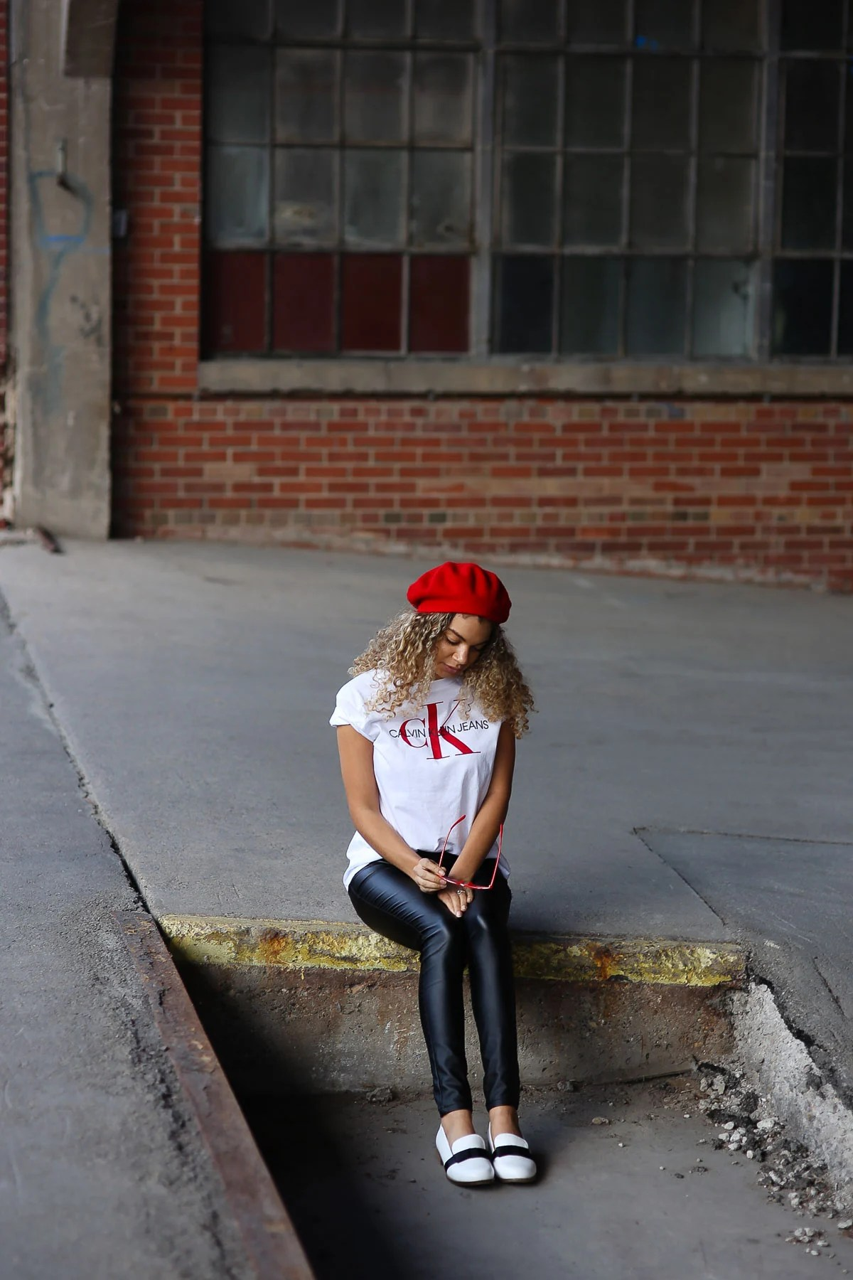 parisian style graphic tee outfit
