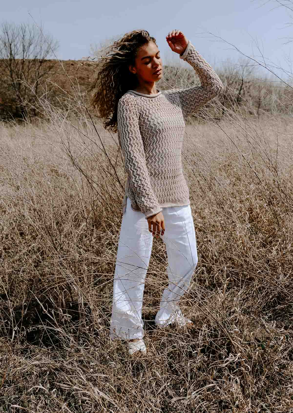 linen pants outfit with a crochet sweater. Makes a great summer outfit!